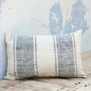 oui-online-cushion-blue-dassie